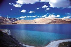 Lago Pangong Tso en los Himalayas