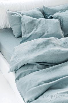 Refresh your bed with our linen duvet set in aquamarine blue (turquoise). Duvet cover and two pillowcases. Linen Sheets, Linen Duvet, Bed Linen Sets, Linen Pillows, Bed Linens, Linen Fabric, Kids Pillows, Bed Sets, Best Bedding Sets