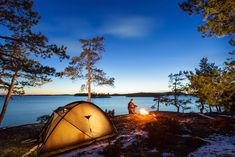 Camping is a superb time to kick back, relax, and revel in nature. Make certain the weather is fantastic for camping. Thus, if you'd like to go on cam. Camping Photo, Camping Gear, Camping Hacks, Lake Camping, Camping Equipment, Cold Weather Camping, Winter Camping, Capitol Reef National Park, National Parks