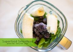 Superfood Smoothies: 5 simple steps to make delicious superfood smoothies for breakfast that are gluten free, dairy free and paleo!