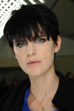 trendy short hair styles of 2011