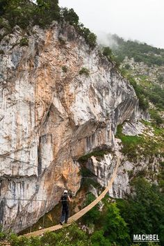 Vía ferrata #Cantabria #Spain #Travel Portugal Vacation, Hotels Portugal, Visit Portugal, Spain And Portugal, Beautiful Places To Visit, Wonderful Places, Places To Travel, Places To See, Dangerous Roads
