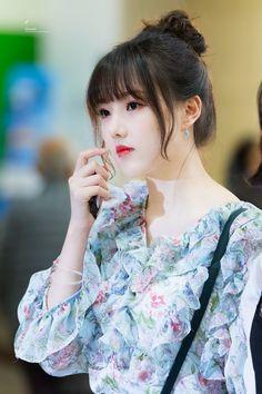 Kpop Girl Groups, Korean Girl Groups, Kpop Girls, K Pop, Cloud Dancer, Beauty Full Girl, G Friend, Girl Bands, Beautiful Asian Girls