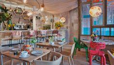 En Madrid hay múltiples opciones para salir a comer en familia. De hecho, hay restaurantes y cafeterías que ofrecen un servicio de calidad y un menú especialmente pensado para los niños. Lo mejor es que