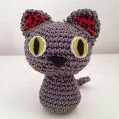 Patrones de amirugumis: Fotos de los diseños más divertidos - Amigurumi con forma de gatito