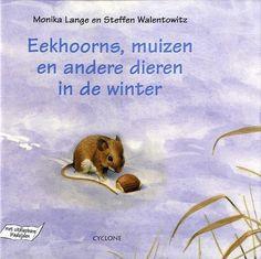 Eekhoorns, muizen en andere dieren in de winter. Hebben eenden ook last van koude voeten? In de winter zetten mensen de verwarming aan, maar wat doen dieren om warm te blijven?    In dit boek zie je hoe veel dieren overleven als het vriest en sneeuwt: de zwaluw, de ree, het everzwijn, de bruine beer, de kikker en allerlei insecten en andere dieren. Je ontdekt ook hoe je ze kunt helpen om warm te blijven en voedsel te vinden. Leeftijd: 7 Te verkrijgen bij Buitenkinderen.nl!