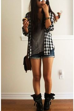 Love how very casual this looks and the way that the outer layer adds a touch of tomboy.