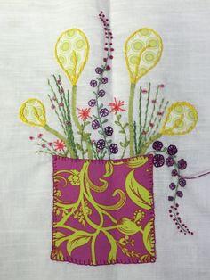 Denne blomst er syet af min kursist Helle Kornbo hos Speich Design i 2015.