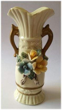 Vintage Embossed 3 Roses Blue & Yellow Vase  Dimensions +/- .  155 x 65 x 60 (mm) :  6,10 x 2,60 x 2,36  (inch) Weight +/- .  178 g : 6,28  ounces