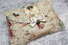 Like this sweet idea for small clutch/purse or sewing kit! :)