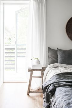Home Decor Bedroom my scandinavian home: The beautiful Stockholm home of a Swedish creative.Home Decor Bedroom my scandinavian home: The beautiful Stockholm home of a Swedish creative Gravity Home, Interior, Home, Home Bedroom, Bedroom Design, My Scandinavian Home, Luxurious Bedrooms, House Interior, Simple Bedroom