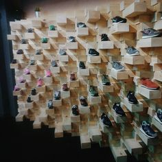 FIVE Sneakers shop. Proyecto: as-built arquitectura, interiorismo, infografías