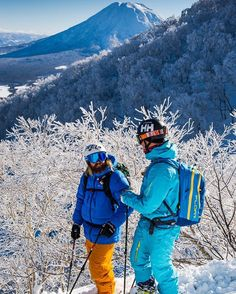 jespermolinphotography Off to #japan with these two dudes @linusarchibald and @ericasmussen  happy times! #sayonara #xtravel #xtravelglobal #hellyhansen #PowderToThePeople