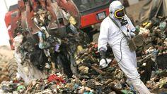 """L'associazione """"Ultimi per la legalità"""" di don Aniello Manganiello scende in campo per affrontare l' emergenza #rifiuti tossici in #Campania. Di Pina Spampanato"""
