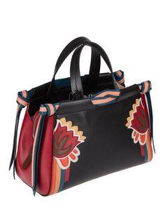 Women s Handbags   Bags   Luxury   Vintage Madrid, la meilleure sélection  en ligne de vêtements de luxe,. fbfa01f61bd