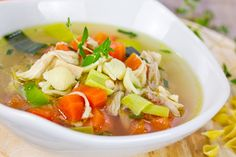 This Chicken Soup Tastes So Damn Delicious That You'll Want To Eat It Even If Its Hot Outside - Page 2 of 2 - Recipe Station Chicken Veggie Soup, Homemade Chicken Soup, Easy Chicken And Rice, Chicken Soup Recipes, Beef Recipes, Healthy Recipes, Cooking Zoodles, Macro Friendly Recipes, Jewish Recipes