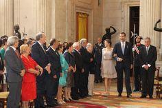 Acto de imposición de condecoraciones de la Orden del Mérito Civil. Sus Majestades los Reyes hacen su entrada en el Salón de Columnas del Palacio Real de Madrid. Palacio Real de Madrid, 19.06.2015