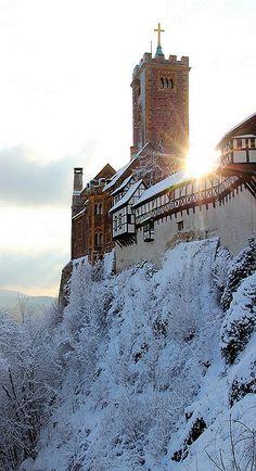 Winter at Wartburg Castle in Eisenach, Germany (by tobfl)
