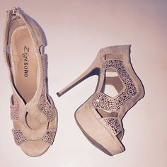 Nude heels with bling Light blush color heels with studs, look like metallic rhinestone, extremely flattering, 5 in heels with 1 1/2 in front platform, man made suede upper. Zipper heels. Great condition, worn once. Zigi Soho Shoes Heels