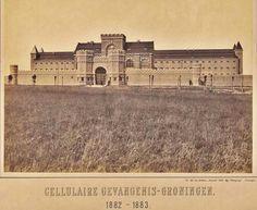 Voormalige gevangenis (nu Van Mesdagkliniek) aan de Hereweg in 1882-1883.