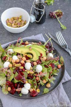 Salade met rode biet, kikkererwten en mozzarella