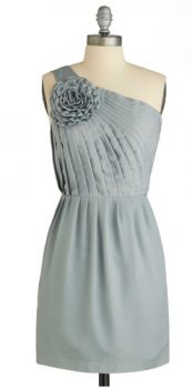 ModCloth: Stat-ue Look Lovely Dress, love the pattern and color--possible bridesmaid dress (different color) Retro Vintage Dresses, Vintage Outfits, Cute Bridesmaid Dresses, Grey Bridesmaids, Bridesmaid Ideas, Prom Dresses, Indie Outfits, Mod Dress, Lovely Dresses
