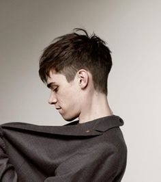 Hairstyles & Haircuts for Men in 2015 with side shorter and top longer, this angular fringe will look good to youwith side shorter and top longer, this angular fringe will look good to you Fringe Hairstyles, Undercut Hairstyles, Hairstyles Haircuts, Haircuts For Men, Trendy Hairstyles, Medium Hairstyles, Shaved Side Hairstyles Men, Medium Haircuts, Modern Haircuts