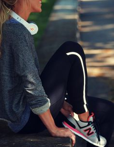 Super sport outfit fashion new balance Ideas Sport Fashion, Look Fashion, Fitness Fashion, Fashion Outfits, Grey Fashion, Fitness Style, Workout Attire, Workout Wear, Workout Outfits