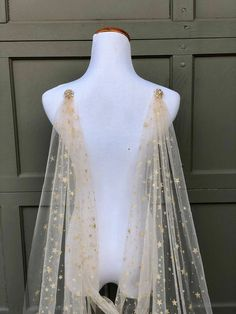 Gold Star Celestial Draped Wedding Cape Veil, Bridal Cape with Beaded Pins Chapel Length Long Veil Soft Cover-up Scarf Wrap, Starry Night - Modern Edge Wedding Cape Veil, Bridal Cape, Wedding Dresses, Modest Wedding, Starry Night Wedding, Starry Nights, Starry Night Dress, Celestial Wedding, Diy Accessoires