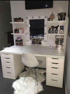 New Makeup Vanity Ideas Black Beauty Room Ideas Room Ideas Bedroom, Bedroom Decor, Teen Bedroom, Bedroom Storage, Sala Glam, Vanity Room, Mirror Vanity, Vanity Decor, Teen Vanity