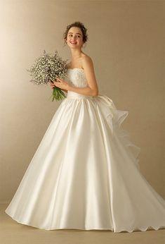 Lobelia/TAKAMI BRIDAL/グランドニッコー東京 台場 Wedding Bouquets, Wedding Gowns, Takami Bridal, One Shoulder Wedding Dress, Marie, Ball Gowns, Dream Wedding, Formal Dresses, Dress Ideas