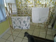 how to build a clothes drying rack at home... instructions with pictures from makeandgrow