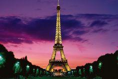 Mesmo as marcas mais valiosas do mundo, como Apple e Coca-Cola, nao sao páreo para a Torre Eiffel. :)