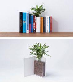 15 Creative Planter Designs for Your Inspiration Indoor Planters, Flower Planters, Flower Pots, Home Office Decor, Home Decor, Plant Decor, Floating Nightstand, Book Design, Diy Art