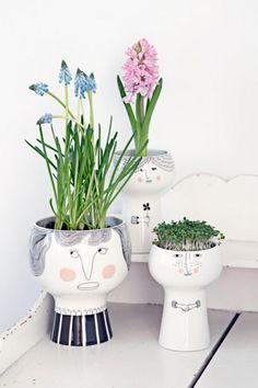 "Meyer-Lavigne ""Flower me Happy Pot"" - Lotta"