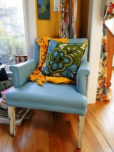 Old (gross) vinyl chair painted with Annie Sloan Chalk Paint in Duck Egg Blue with Old White Legs. Love this!  Also love that #GreenTableGifts in Chandler carries this product.