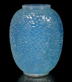 René Lalique 'Écailles'  vase, opalescent glass, heightened with blue staining 1932   –  24.5 cm height