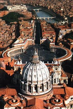 Google Image Result for http://www.malankaraworld.com/library/Travel/images/Rome/Vatican_Aerial_view.jpg