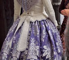 Traditional Fashion, Traditional Outfits, 1700s Dresses, Victorian Fashion, Vintage Fashion, Vintage Dresses, Vintage Outfits, Moda Retro, Victorian Costume