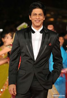 SRK at the 5th International Rome Film Festival, 2010 Collars' Details
