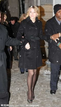 Out in Toronto - HQ - Taylor Swift Web Photo Gallery Taylor Swift Outfits, Taylor Swift Hot, Taylor Swift Style, Taylor Swift Gallery, Taylor Swift Pictures, Pantyhose Outfits, Black Pantyhose, Celebrity Pictures, Celebrity Style