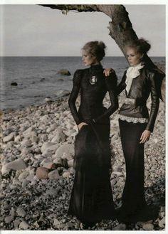 Exquisite!  #Neovictorian #Fashion