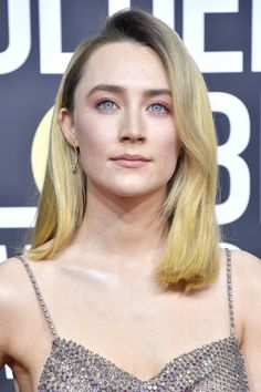Saoirse Ronan Photos - Saoirse Ronan attends the Annual Golden Globe Awards at The Beverly Hilton Hotel on January 2020 in Beverly Hills, California. Stunning Makeup, Pretty Makeup, Golden Globe Award, Golden Globes, Top Female Celebrities, Valentino Gowns, Nicole Kidman, Hair Looks, Simply Beautiful