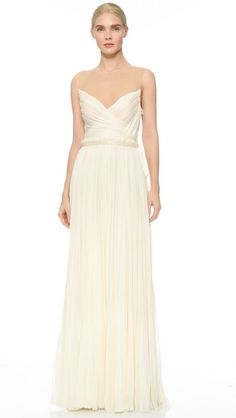 ¡Cómpralo ya!. J. Mendel Isadora Gown - Antique. Dense pleating accentuates the airy drape of this elegant J. Mendel gown. Frayed edges keep the look softly undone, and beads shine from the optional grosgrain belt. Mesh illusion neckline. Molded cups. Hidden side zip. Silk lining. Fabric: Silk georgette. Shell: 100% silk. Trim: 100% nylon. Lining: 100% silk. Dry clean. Made in the USA. Measurements Length: 62in / 157.5cm, from shoulder Measurements from size 4. Available sizes: 2,4,6…