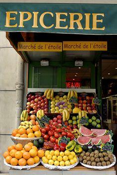 Fruit Market, Paris, France. Paris travel guide & tips: goparis.about.com