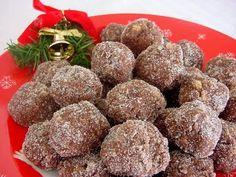 Bourbon Balls, Rum Balls, Christmas Baking, Christmas Candy, Christmas Cookies, Christmas 2015, Christmas Treats, Christmas Recipes, Holiday Recipes