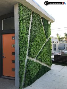 Faux foliage creates green walls that would be impossible to establish or maintain using living plants. We can install our faux foliage to any surface thanks to the material's durability and added support from a steel backing. Terrasse Design, Patio Design, Wall Design, Exterior Design, Jardin Vertical Artificial, Artificial Green Wall, Artificial Plants, Backyard Patio, Backyard Landscaping