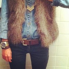 Not a big fan of the faux fur vests but with this solid blue chambray button-up and the chevron necklace, it looks fantastic! might have to purchase one. Fall Winter Outfits, Autumn Winter Fashion, Winter Wear, Looks Style, Style Me, Fashion Beauty, Womens Fashion, Sweater Weather, Instagram Fashion