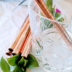 Copper has proven natural anti-microbial properties, so is perfect as an alternative material for straws! Natural Lifestyle, Copper And Brass, Straws, Glass Vase, Eco Friendly, Smoothie, Beautiful, Instagram, Alternative