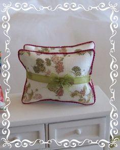 1:12 Shabby Cushions dollhouse miniature by Soraya Merino
